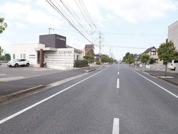 道路から見たえごし歯科医院の写真